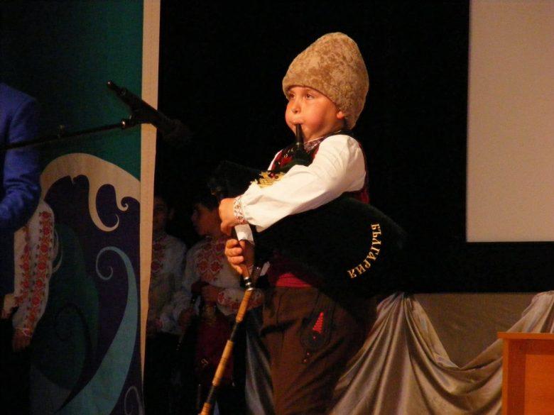 КУЛТУРА ВСЕКИ ДЕН Кристиян Ямболов най-добрият гайдар на конкурса Диньо Маринов
