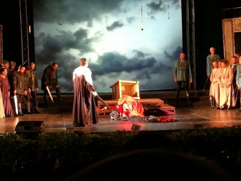 КУЛТУРА ВСЕКИ ДЕН Премиерата на Макбет в Летния театър