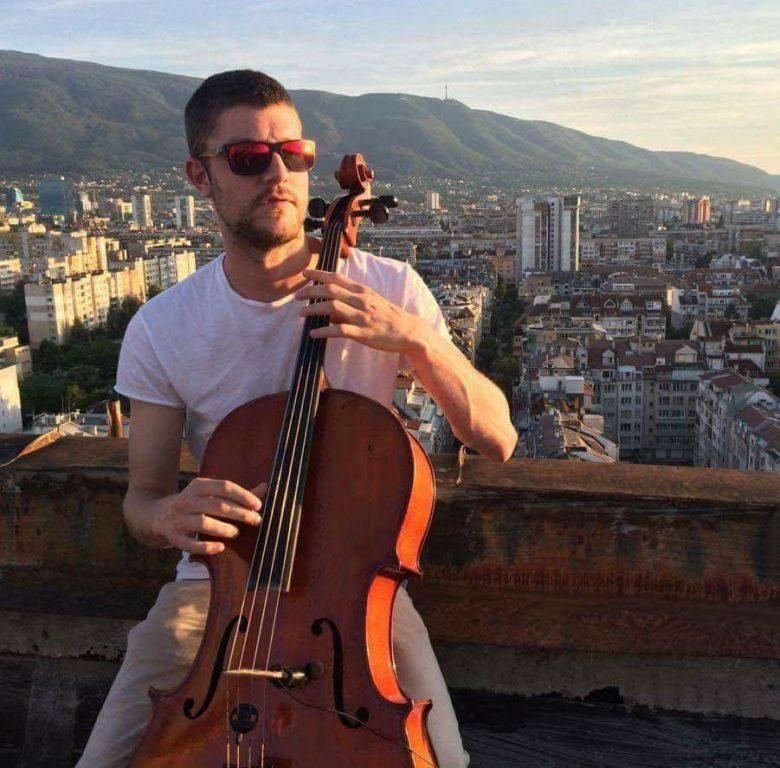 КУЛТУРА ВСЕКИ ДЕН Георги Георгиев изпълнява Дворжак- концерт за виолончело и оркестър